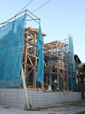 横浜|プライベートガーデンのある家上棟!