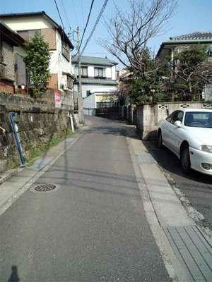 横須賀市の小高い丘に建てる家|狭小道路克服大作戦!