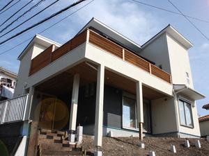 横須賀市長沢『live in luxury☆』漆喰珪藻土の塗壁進行状況の視察に行きました!
