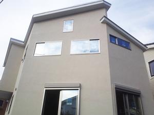 葉山町一色『空窓の家』の壁塗り進行状況を見に行きました!
