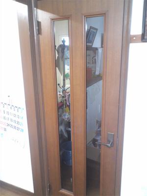 室内ドアの開閉に支障の出る欠陥住宅実例