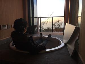 葉山町下山口|バスルームから見える海の景色