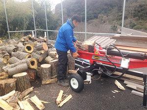 薪ストーブの燃料になる薪調達|めちゃめちゃ楽ちんな薪割り方法
