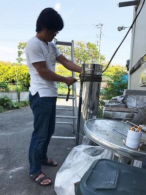 薪ストーブの煙突修理|周辺環境には注意が必要☆