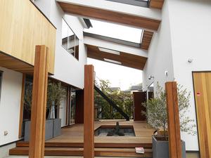 zushishi-sakurayama-private-lounge-kansei-kengaku-houkoku2.jpg