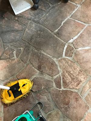 内装の石貼りやモルタルの汚れ取り|ここまで汚れて落ちるのか?