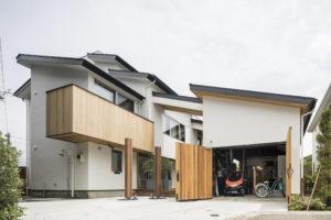 逗子市の海前に建つ Private Loungeのある家