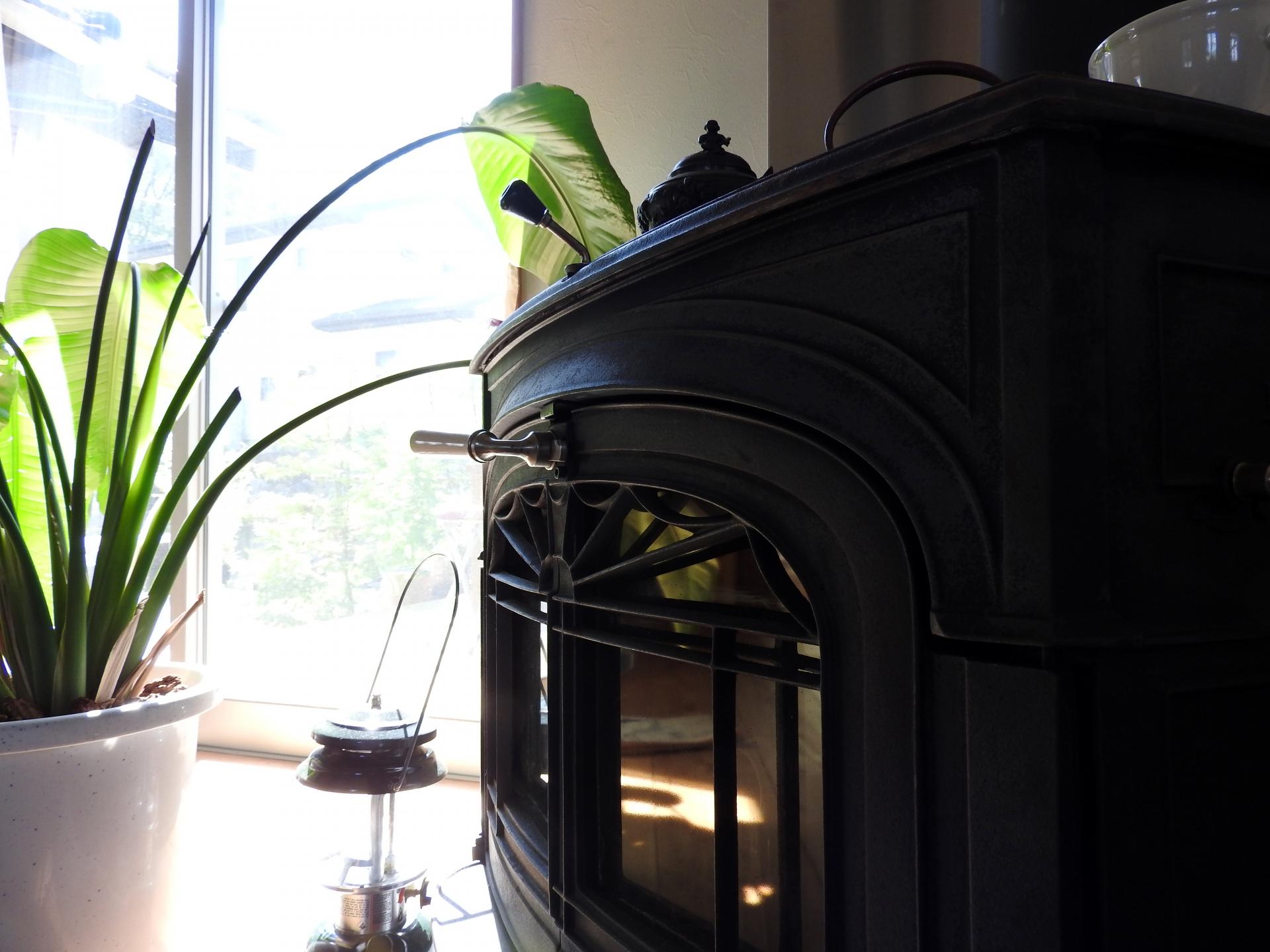 薪ストーブはもともと高級な暖房設備