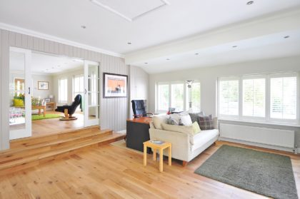 杉など天然木の無垢材をフローリングや住宅に使うメリットとデメリット