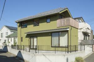 三浦市の小高い丘に建つ 猫の間空間の家