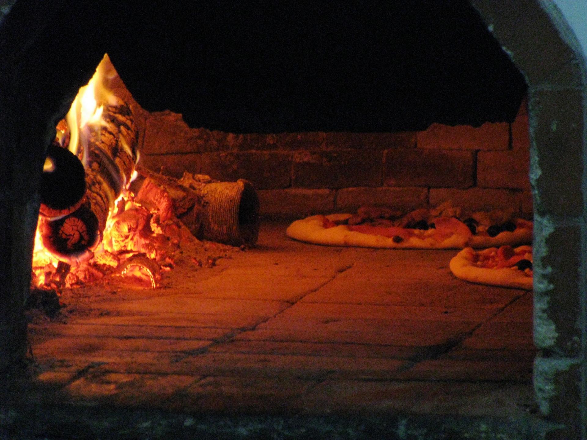 ピザ釜作り