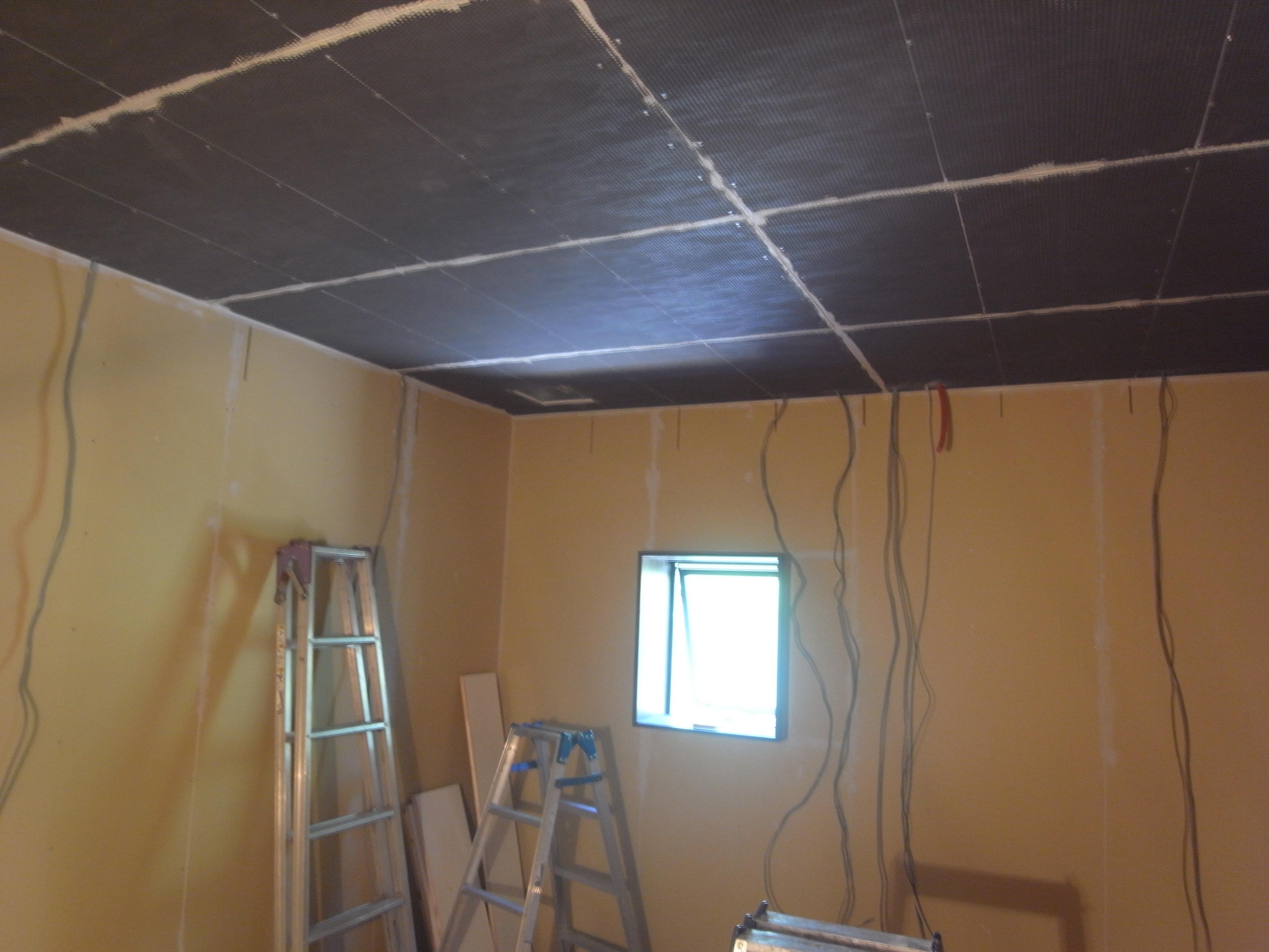 シアタールームの天井遮音完了
