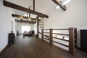 横浜市で家の建て替え〜古い家の外構を生かしたカジュアルな二世帯住宅