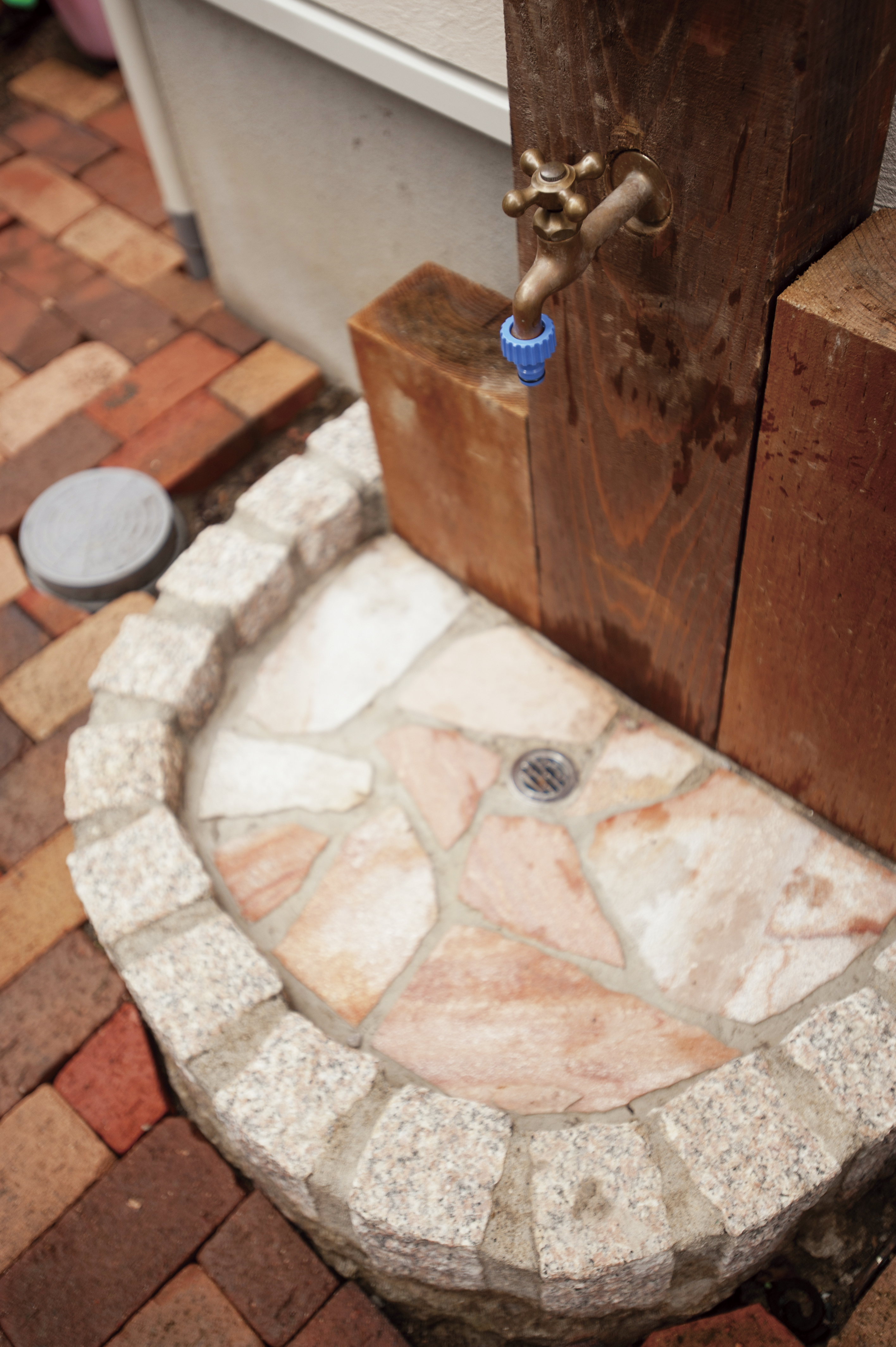 造作の立水栓