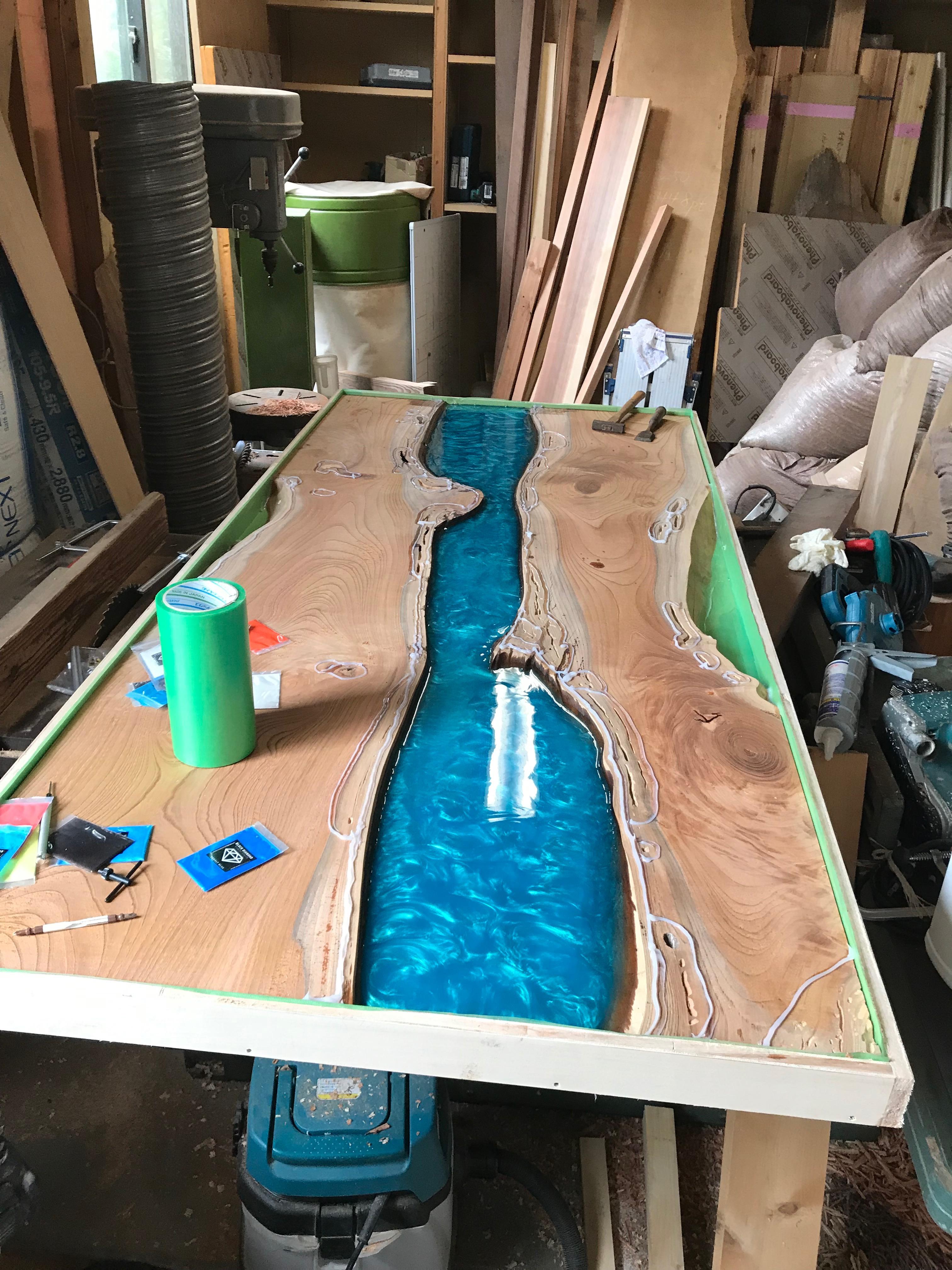 ケヤキ製のダイニングテーブル板